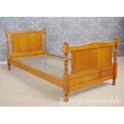 Łóżko dębowe stylizowane