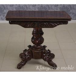 Karciak - stolik neorenesansowy do gier - konsola.