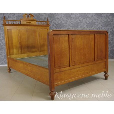 łóżko Eklektyczne Z Xix Wieku