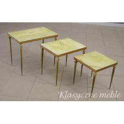 Komplet metalowych stolików z kamiennymi blatami. 5396